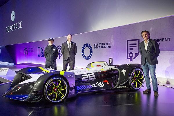 RoboRace enthüllt ersten fahrerlosen Rennwagen der Welt