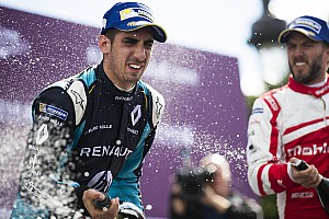 Formule E Raceverslag Formule E Parijs: Buemi wint, Frijns zesde na knotsgek slot