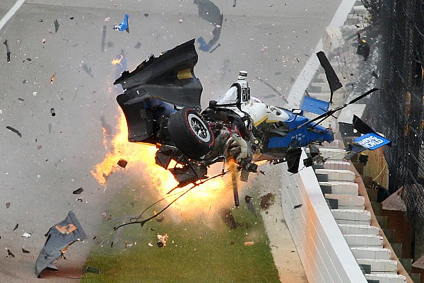 IndyCar Fotostrecke Die Geschichte zum Bild: Der wilde Crash beim Indy 500