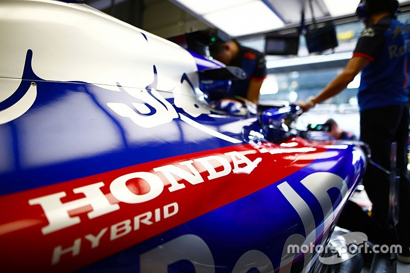 Как звучит новый двигатель Honda: Toro Rosso впервые запустила мотор на машине 2019 года