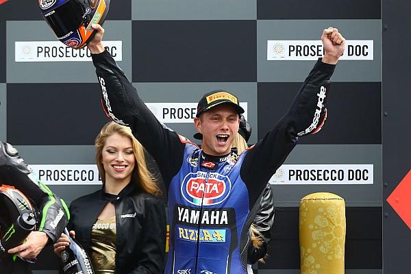 Superbikes Van der Mark schrijft historie: