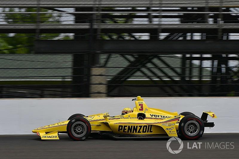 Indy 500: Castroneves svetta nel turno pomeridiano del Day 1