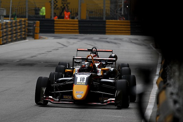 سباقات الفورمولا 3 الأخرى تيكتوم: التجاوز