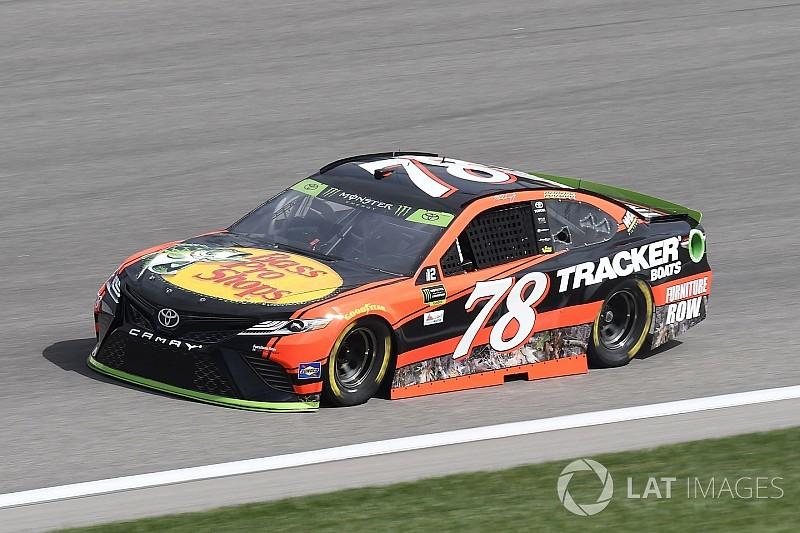 NASCAR: Kansas-Pole für Martin Truex Jr.