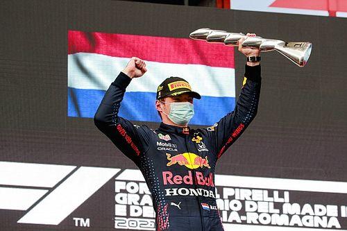 F1-update: Verstappen wint glorieus in Imola, hommeles bij Mercedes