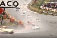 VIDEO: Met de zijspan in de regen door Eau Rouge in 1986