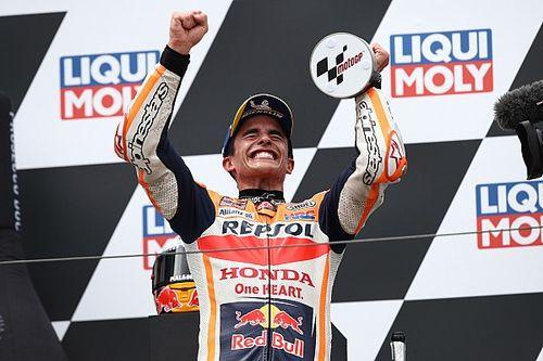 """Emotionele Marquez wint weer in MotoGP: """"Vandaag was het mijn dag"""""""