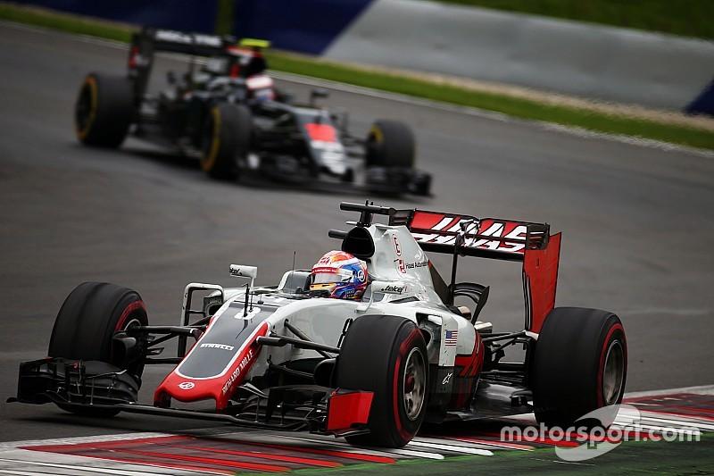 """Грожан рад, что Haas """"не уступала в скорости"""" McLaren"""