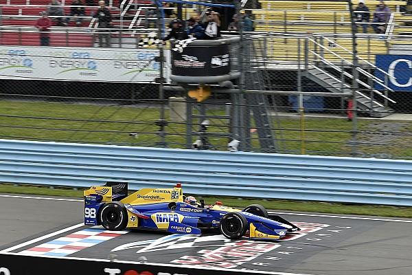 IndyCar A Watkins Glen succede di tutto: vince Rossi e Newgarden riapre il campionato