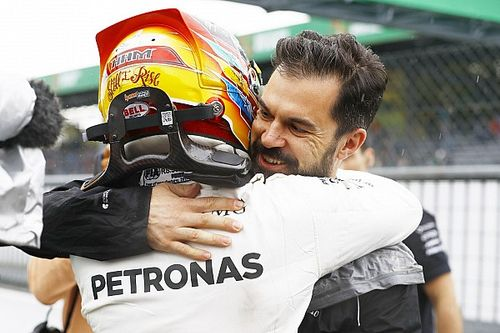 Lewis Hamilton 2021 sezonu öncesinde en büyük yardımcısını kaybediyor
