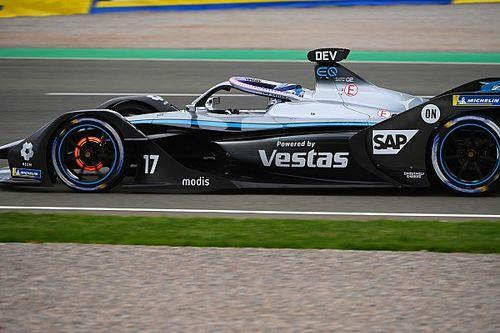 Bizarr módon zárult a Formula E 4 biztonsági autóval is megszakított valenciai futama