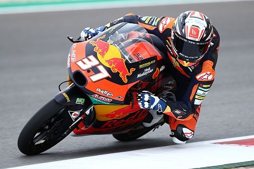 """Moto3 star rookie Acosta has """"not normal old-school style'"""
