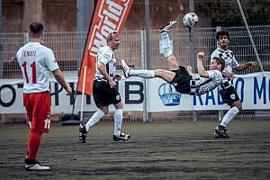 Матч всех звезд: гонщики сыграли в футбол перед Гран При Монако