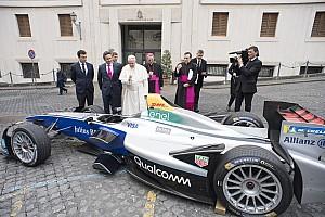Fórmula E Noticias El Papa Francisco recibió a la Fórmula E en el Vaticano
