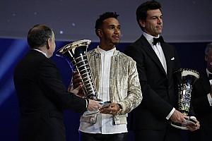 GENEL Son dakika Hamilton, FIA Ödül Töreni'nde şampiyonluk kupasını aldı
