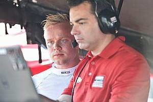 IndyCar Новость Розенквист провел вторые тесты на машине IndyCar