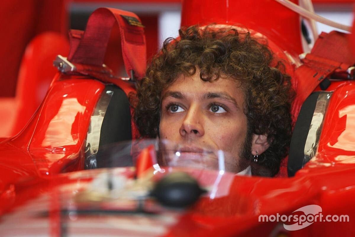 O dia que Rossi dividiu a pista de Ferrari com Schumacher e Alonso
