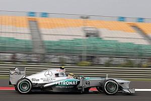 Hamilton esclarece polêmica após comentários sobre Índia