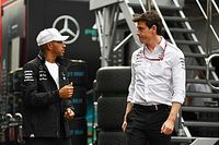 «Льюису я не нужен». Вольф признал готовность уйти с поста босса Mercedes