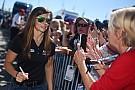 NASCAR Danica Patrick confirma relación con Aaron Rodgers