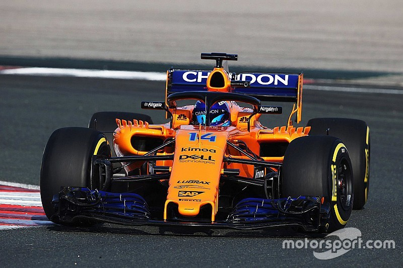 mclaren 39 s renault engined 2018 f1 car makes track debut. Black Bedroom Furniture Sets. Home Design Ideas