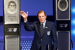 NASCAR Cup Obituary WWII hero and NASCAR HoF inductee Bud Moore dies at age 92
