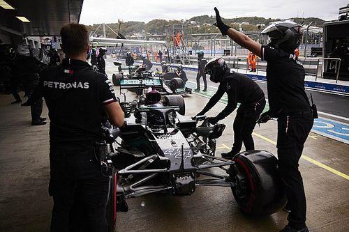 "Hamilton: F1 pitlane error in Sochi ""nothing to do with pressure"""