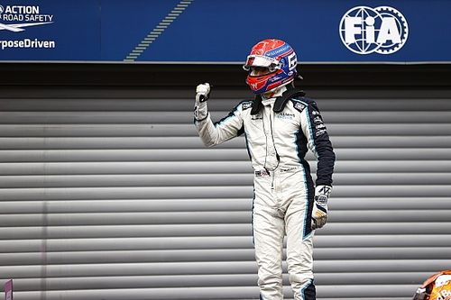 Alonso: George Russell nagyobb kihívást fog jelenteni Hamiltonnak, mint Bottas