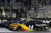 """Bowyer advances, plans to """"swing for the fence"""" in Round of 12"""