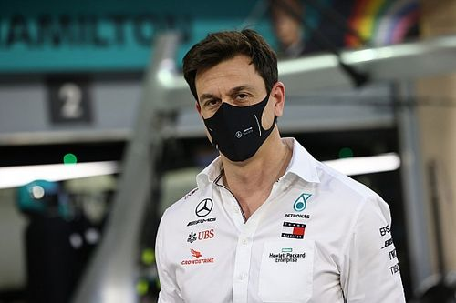 """F1 should """"do everything"""" to bring forward new engines - Wolff"""