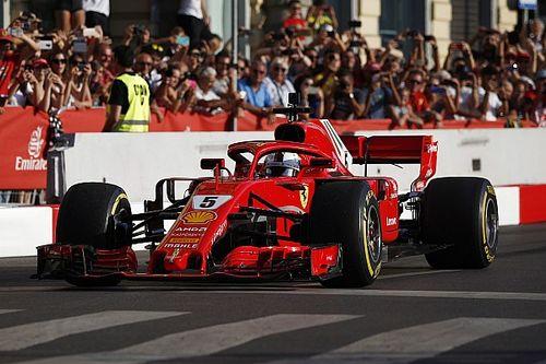 Vettel : petit accident en démonstration à Milan avec la Ferrari