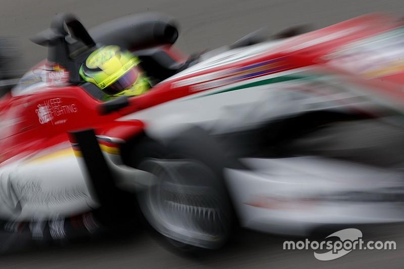 Genç yarışçılardan hangilerinde F1 süper lisansı var?