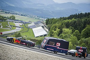Verstappen és Ricciardo nem bírt magával, ezért lakókocsikat zúztak