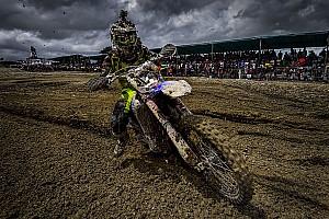 MXGP Reporte de la carrera Simpson y Seewer alcanzan la gloria en el barro de Indonesia