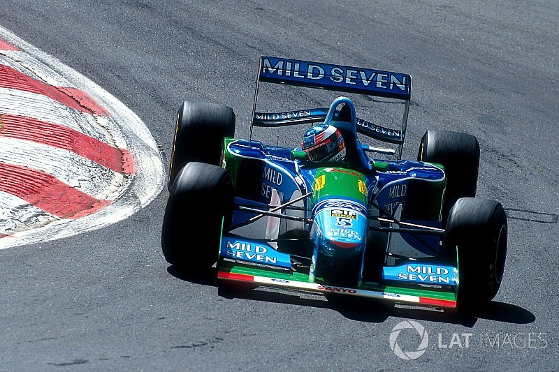 【F1】シューマッハー初勝利25周年記念。息子ミックがB194をドライブ