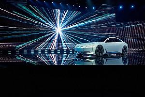 OTOMOBİL Son dakika BMW M5 MotoGP güvenlik aracı M Performance parçalarıyla tanıtıldı