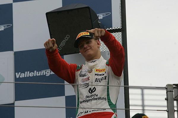 Mick Schumacher F3-as gépet tesztel!