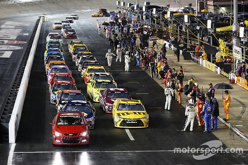Sprint Cup Race At Bristol Halted Due To Rain Postponed
