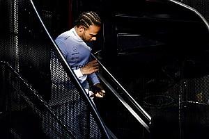 Hamilton több kiló izmot szedett fel az új szezonra, de nem árulja el a titkát…