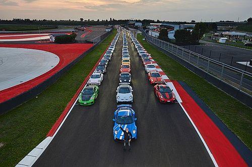 Al Porsche Festival prima giornata già da record