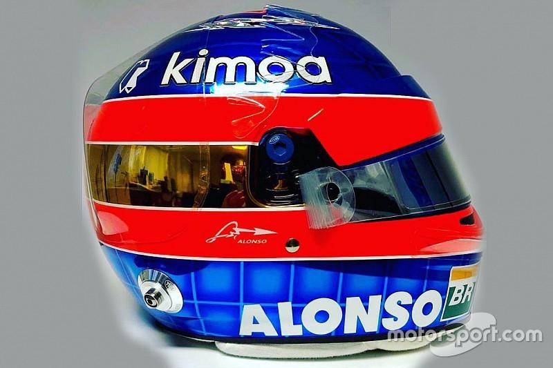 Alonso dà l'addio alla F1 con un casco celebrativo: la livrea è a metà tra il 2001 e il 2018
