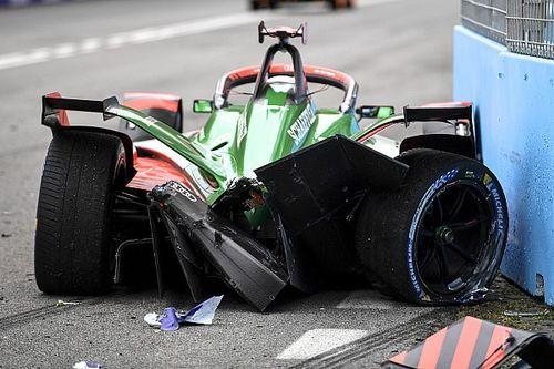Вылетают все! Крайне аварийная гонка Формулы Е в Риме принесла победу Mercedes