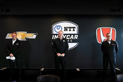 IndyCar to introduce 2.4-liter hybrid power units in 2023