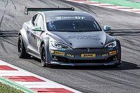 El Electric GT entrega su primer Tesla de competición