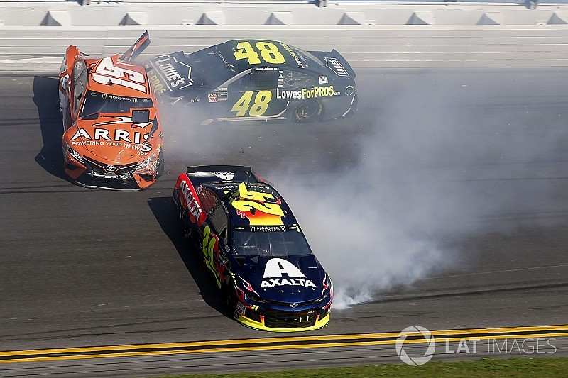 Daytona 500: Jimmie Johnson wrecks out of all three Speedweeks races