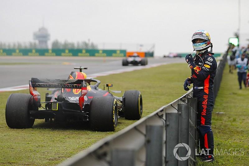 Риккардо стал терять веру в прогресс Renault