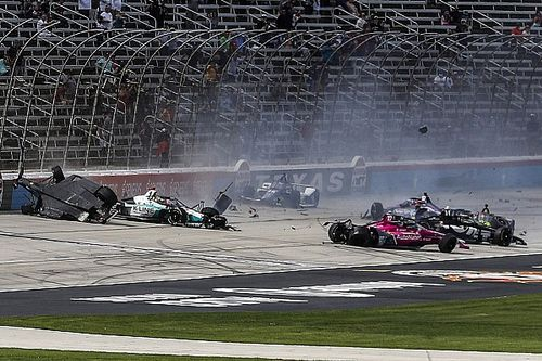 Vídeo en IndyCar: accidente múltiple al inicio de Texas 2