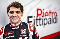 GALERIA: Pietro Fittipaldi tem 'dia de modelo' e posa como piloto da Haas