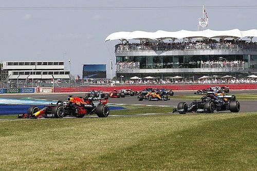 """F1: Diretor de engenharia da Mercedes diz que colisão entre Hamilton e Verstappen era """"inevitável"""""""