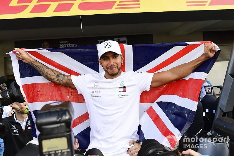 Как Хэмилтон и Mercedes праздновали титул: фото